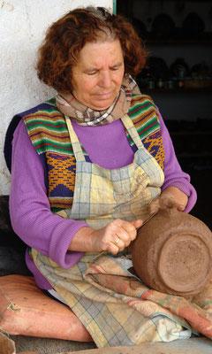 Keramikerin Rufina Niebla Gonzáles mit 67 Jahren in El Cercado