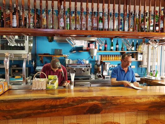 Gutes Fischrestaurant El Refugio in La Restinga. Empfehlenswert ist zum Dessert: Mousse de Gofio