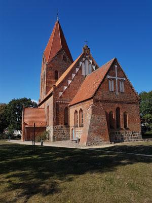 Johanneskirche, eine Dorfkirche der Backsteingotik aus dem 13. Jahrhundert. Das Innere wurde im 17. und 18. Jahrhundert vollständig umgestaltet.