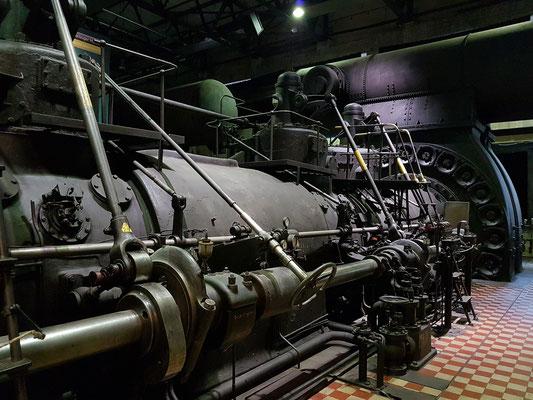 Gasmaschinen in der Gebläsehalle