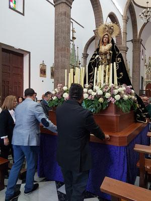 Figur der Muttergottes in der Kirche