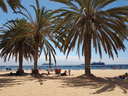 Playa de Las Teresitas, Sandstrand mit aufgeschüttetem Sand