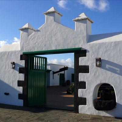 Monumento Casa del Campesino bei Mozaga