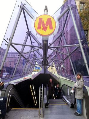U-Bahn-Station Nowy Świat – Uniwersytet