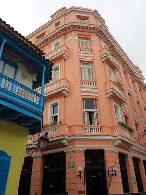 Hotel Ambos Mundos mit Hemingways Eckzimmer 411 im 4. Geschoss