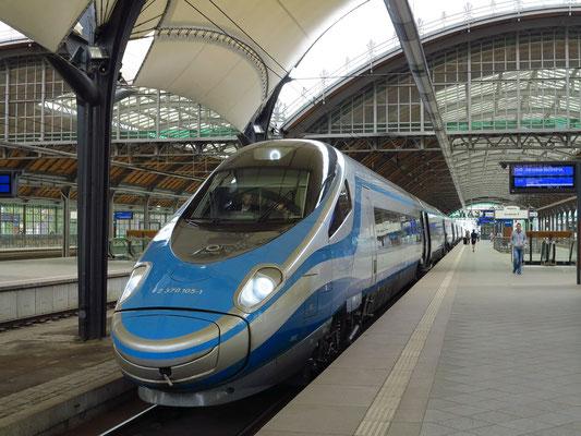 Hochgeschwindigkeitszug von Breslau nach Warschau