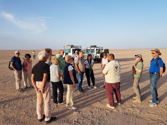 Kurze Rast auf dem Weg in die Arabische Wüste