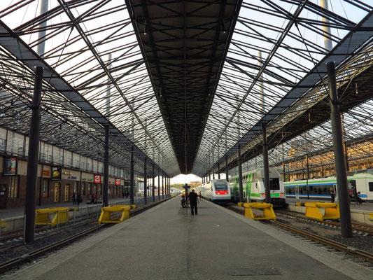 Hauptbahnhof Helsinki, Bahnsteige 4 - 11