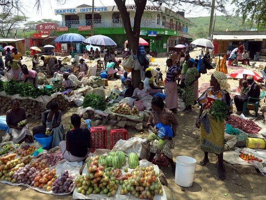 Mittagspause am Straßenmarkt