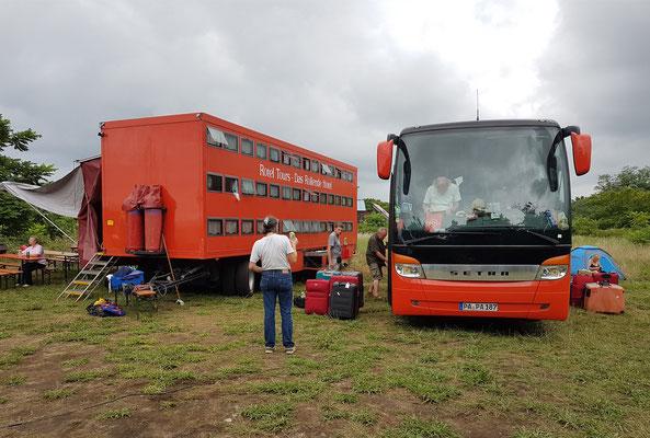 Unser aufgebautes Rotel auf dem Campingplatz Batumi