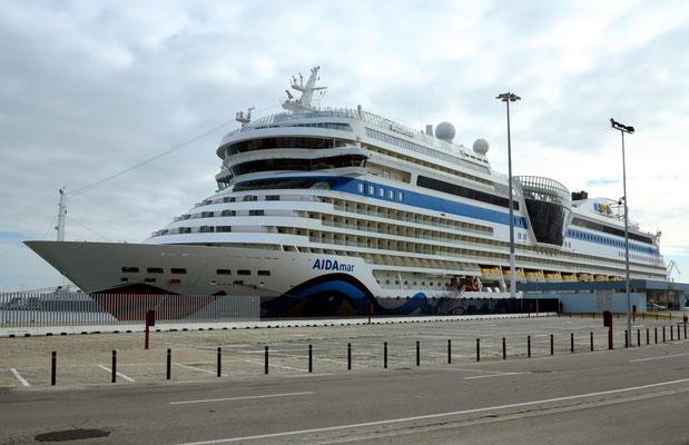 AIDAmar im Puerto de Cádiz
