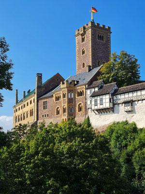 Wartburg mit Palas, Treppenhaus, Neuer Kemenate und Elisabethengang (von links hinten nach rechts vorne), darüber der Bergfried