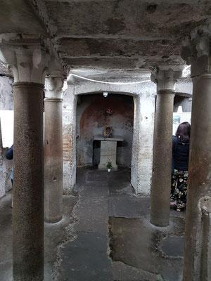Santa Maria in Comedin, dreischiffige Krypta unter dem Presbyterium, Ende 8. Jh.