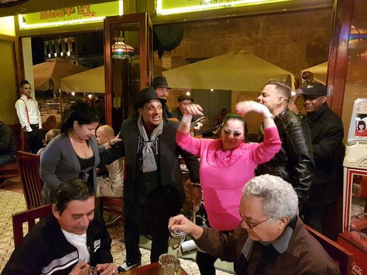 Im Restaurant La Vitrola an der Plaza Vieja zu später Stunde