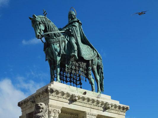 Reiterdenkmal mit König Stephan I., ein Werk des ungarischen Bildhauers Alajos Stróbl (1856-1926)