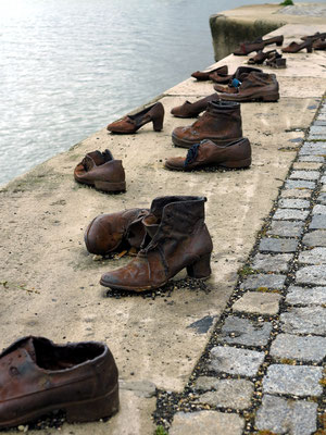 Schuhe am Donauufer (Cipők a Duna-parton)