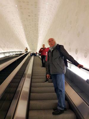 Die 82 Meter lange Rolltreppe zur Plaza