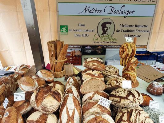 Ludwigsplatz, französischer Bäcker mit Marktstand
