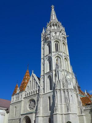 Matthiaskirche mit dem 80 Meter hohen, achteckigen, gotischen Matthiasturm
