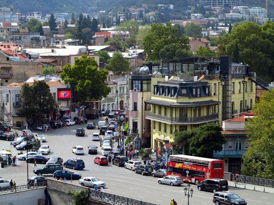 Blick auf die Unterstadt an der Mekteki-Brücke