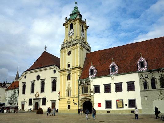 Hauptplatz der Altstadt mit dem Alten Rathaus