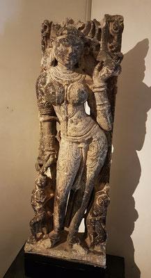 Natarki (Dancing Surasundari), Marmor, 1100-1200