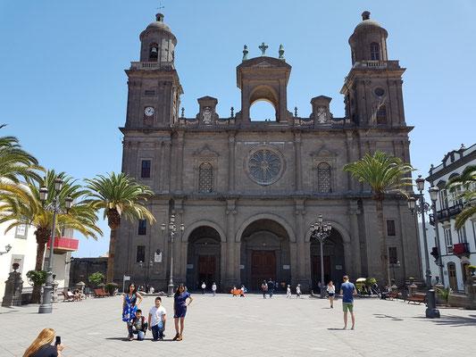 Las Palmas, Blick von der Plaza de Santa Ana auf die Kathedrale