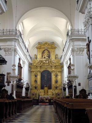 Heilig-Kreuz-Kirche, barocker Hauptaltar (Rekonstruktion) im Hauptschiff