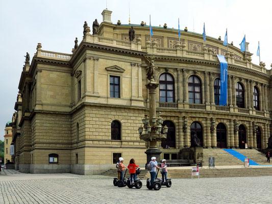 Rudolfinum, Sitz der Tschechische Philharmonie