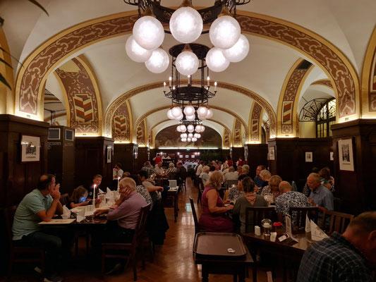 Auerbachs Keller, Restaurant Historische Weinstuben im Großen Keller, 1912/14 in der Mädler-Passage erbaut