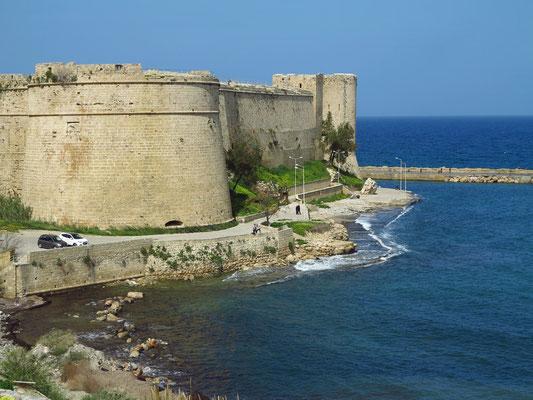 Festung Kyrenia (Wanderung vom Fährhafen zur Festung Kyrenia)