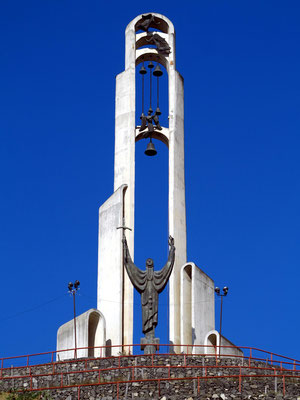 """Monument der Heiligen Nino, der """"Erleuchterin Georgiens"""", Bildhauer: Surab Zereteli"""