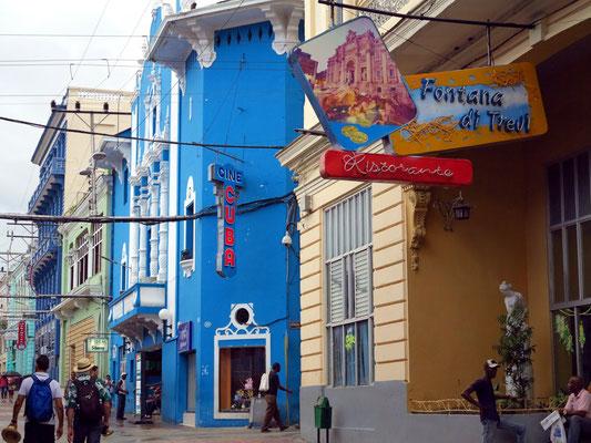 Calle José Antonio Saco, Ristorante Fontana Di Trevi und Cine Cuba