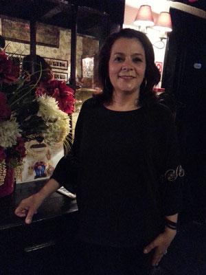Fado-Sängerin Sandra Correia im Clube de Fado, Lissabon