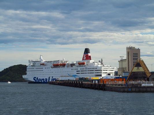 Die STENA SAGA hat im Hafen von Oslo festgemacht.