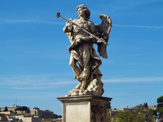 Statue des Engels mit der Lanze auf der Engelsbrücke