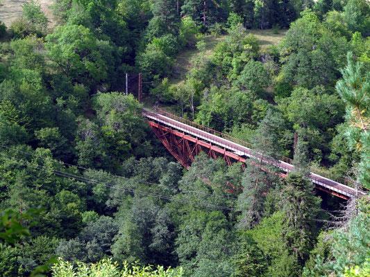 Strecke zwischen Zaghweri and Zemi mit der Eiffel-Brücke