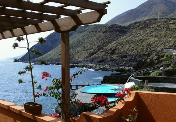 Ortschaft La Caleta mit Schwimmanlage