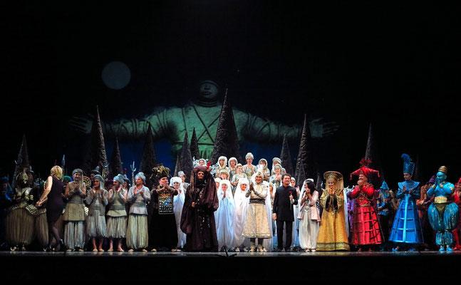 Stanislawski-Musiktheater, Aladino e la lampada magica, Applaus: Ensemble