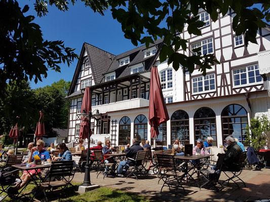 Hotel Hitthim in Kloster (Hiddensee), Treffpunkt der Persönlichkeiten aus Kunst und Wissenschaft