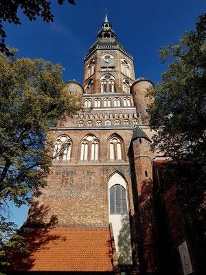 Dom St. Nikolai, Blick auf die Südseite des 98 m hohen Turms