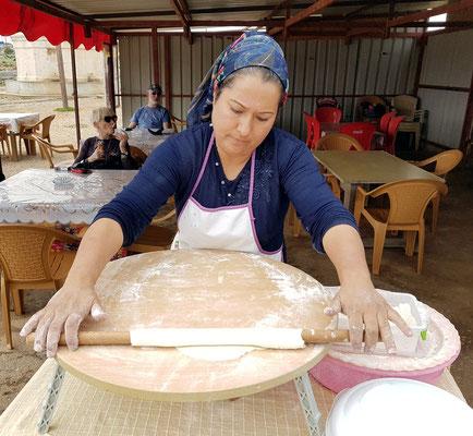Herstellung von Fladenbrot (Pita, Pide)