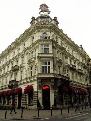 Café Wedel seit 1851, Szpitalna 8, die Adresse für das traditionelle Polen, berühmt für seine heißen Schokoladen und Pralinen