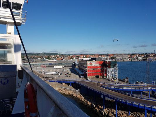 Einfahrt nach Frederikshavn um 07:22 Uhr