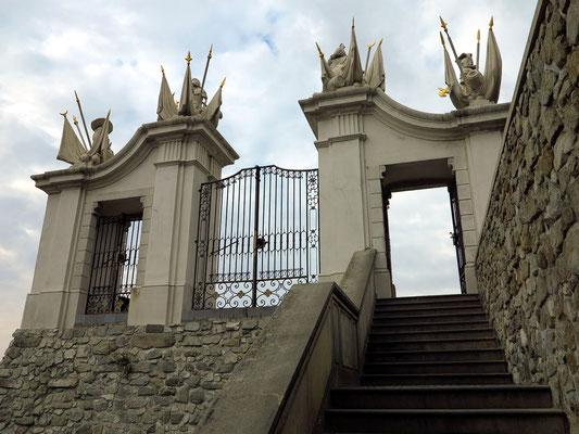 Burg Bratislava, Aufgang zum Ehrenhof