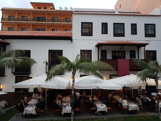 Hotel Marquesa mit Restaurant-Terrasse