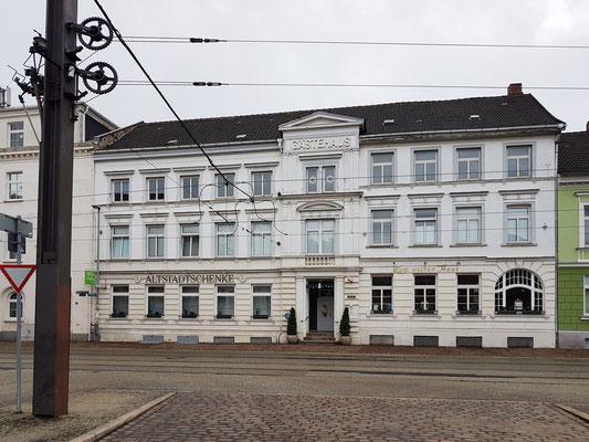 """Straßenansicht des Gästehauses """"Zum weißen Haus"""""""