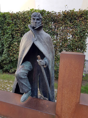 Caspar-David-Friedrich-Denkmal des Bildhauers Claus Görtz, 2010 eingeweiht