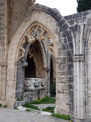 Klosterruine Bellapais, Detail des Kreuzgangs