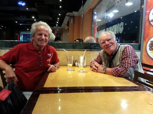 Mit Rochus (Rocky) Lessiak im Restaurant Shiraz Nights, Deira
